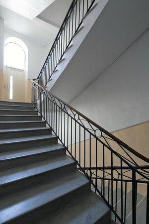 Ajoupa Apart'hotel Nice : escalier