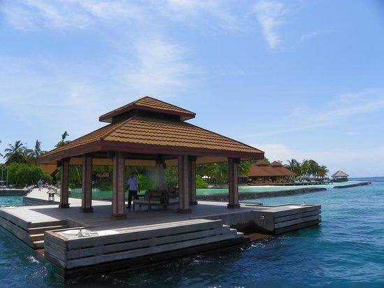 Kurumba Maldives: Hotel enterance