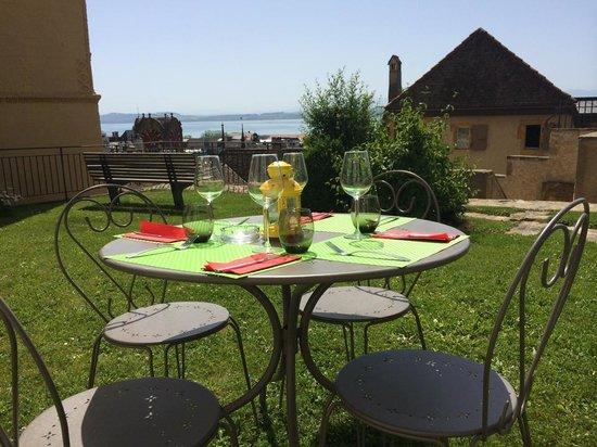 Cafe de la Collegiale : table des Chevaliers