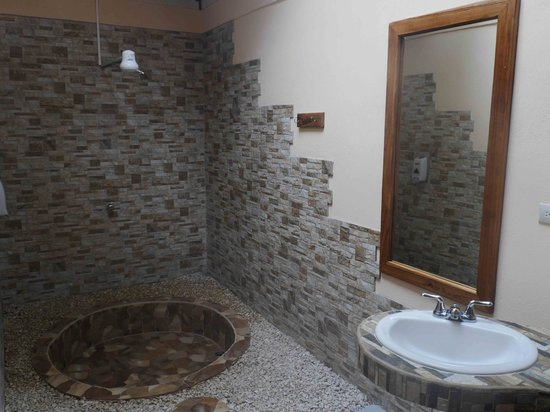 Hotel Cerro Lodge: bathroom