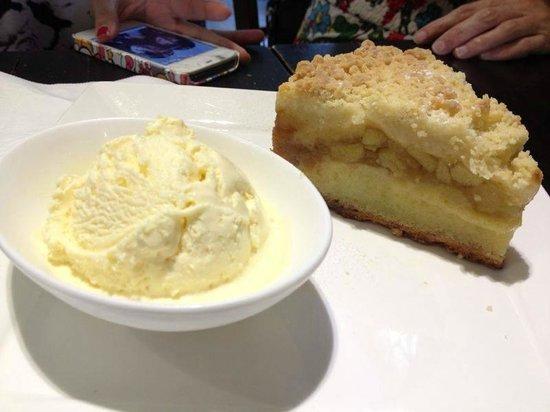Nassim Hill Bakery: apple crumble with vanilla ice cream