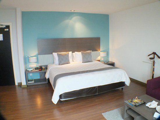 Pullman Kuching : Nice big bed