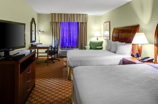 Hilton Garden Inn Wilmington Mayfaire Town Center: Queen-Queen room