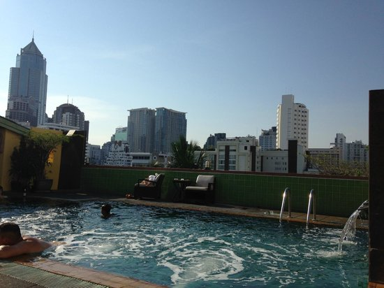 Woraburi Sukhumvit Hotel and Resort: Swimming pool