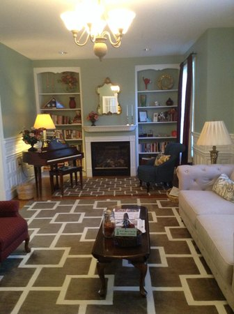 Beech Tree Inn and Cottage: Check in