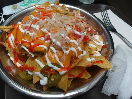 Gusto Taco Sangsu: Nachos of Deliciousness!