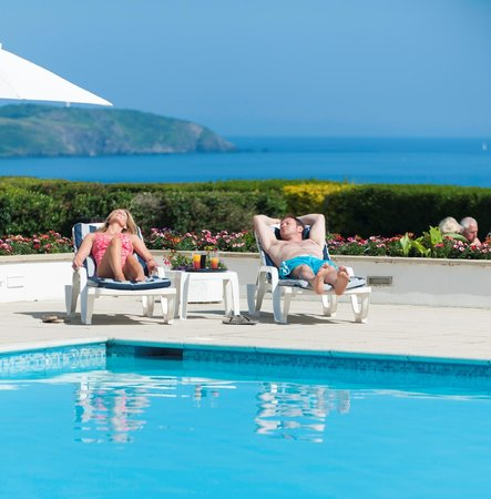 The Carlyon Bay: Outdoor pool area