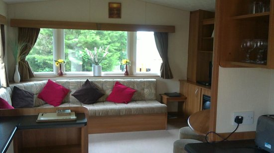 Par Sands Coastal Holiday Park: Living Room of caravan