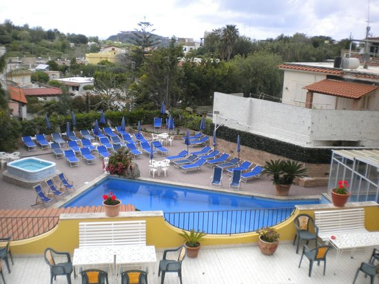 Hotel Terme Vinetum: piscina esterna