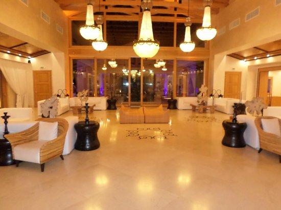 Mitsis Blue Domes Resort & Spa: Lobby