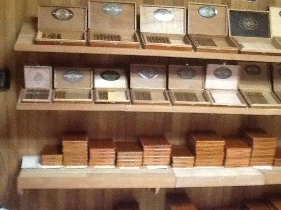 Abner's Custom Costa Rica Tours: Cigars