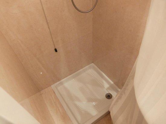 Hotel Lisbona : bathroom