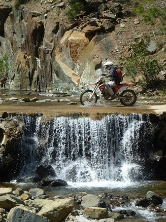 Cortes de la Frontera, Spanje: Riders of The Lost Trail - La Pena Blanca
