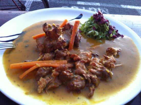 La Garbanza: Pollo al curry acompañado d arroz con azafrán