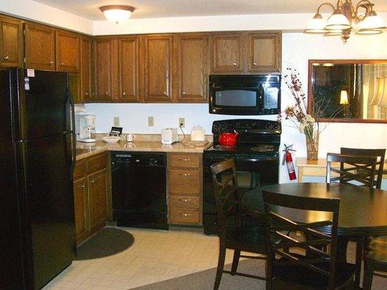 Three Seasons Condominiums: Kitchen and dining area
