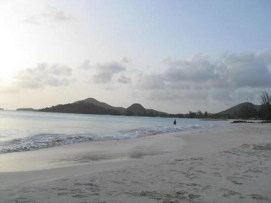 Jolly Beach Resort & Spa : Antigua view