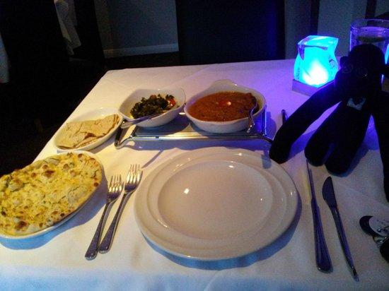 Lalbagh Bangladeshi & Indian Diner : Lamb madras, saag paneer, garlic naan and chapati