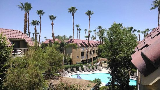 BEST WESTERN PLUS Palm Desert Resort: View from Room 344