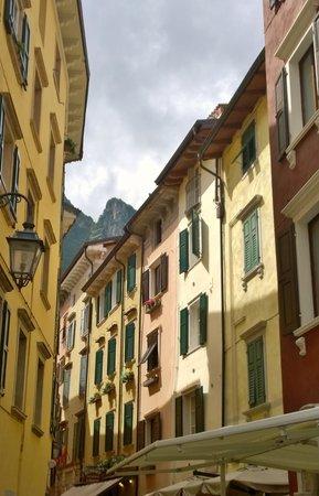 Hotel Garda - TonelliHotels: Garda street