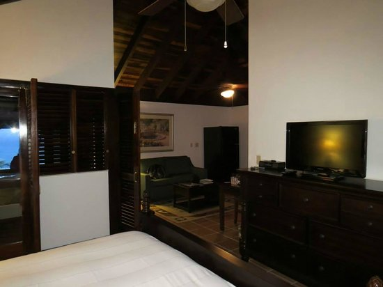 Renaissance St. Croix Carambola Beach Resort & Spa: From the sleeping area looking to the sitting area