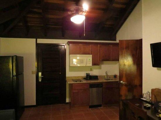 Renaissance St. Croix Carambola Beach Resort & Spa: Entry/Kitchenette area