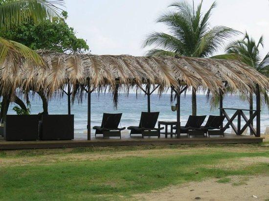 Renaissance St. Croix Carambola Beach Resort & Spa: Beachfront tiki hut cabana