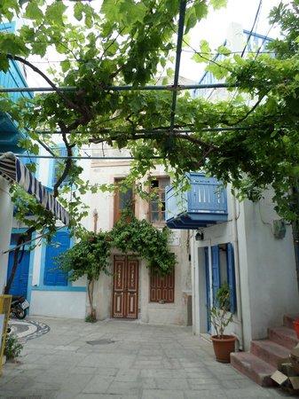 Nisyros: Streets in Nissyross