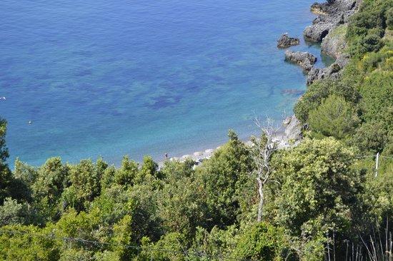 Romantic Hotel & Restaurant Villa Cheta Elite : spiaggia sotto hotel