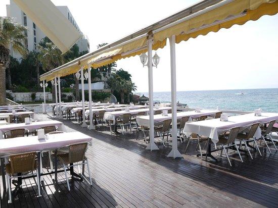 Marti Beach Hotel: terrasse  du restaurant