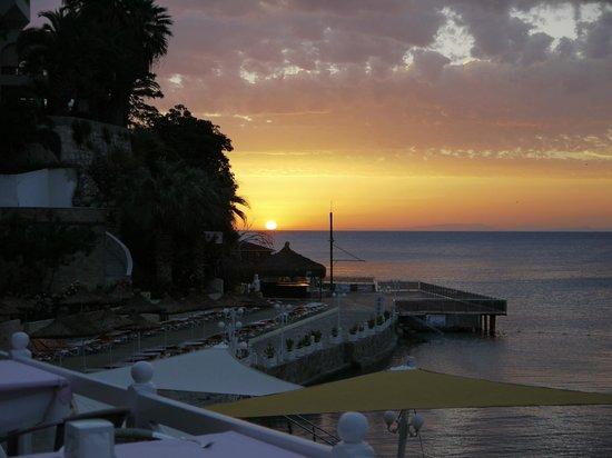 Marti Beach Hotel: coucher de soleil
