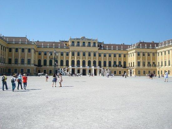 Schloss Schönbrunn: Fachada frontal