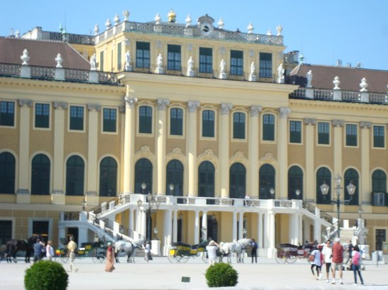 Schloss Schönbrunn: Pátio das Honras