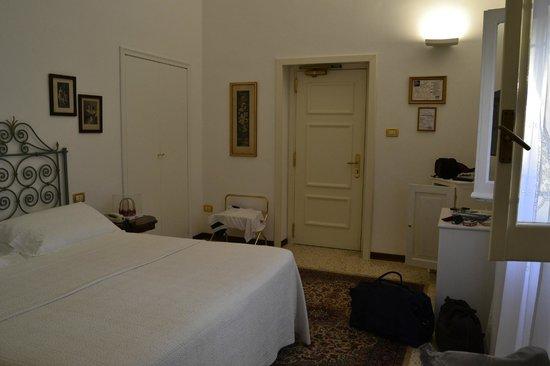 Romantic Hotel & Restaurant Villa Cheta Elite : camera