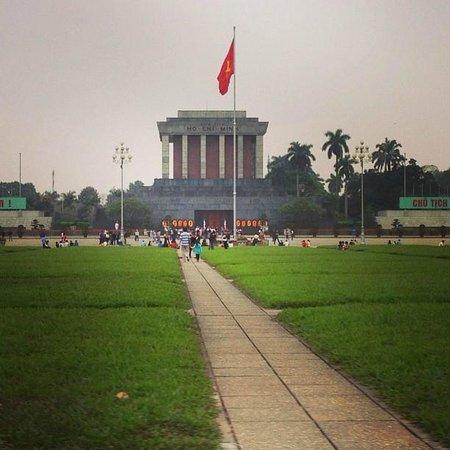 Mausolée de Hô Chi Minh : สุสานโฮจิมินห์