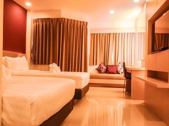 Andatel Grande Patong Phuket Hotel: Deluxe Twin