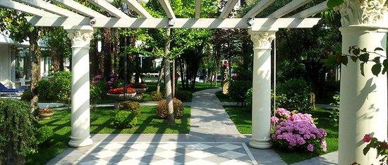 Grand Hotel Trieste & Victoria: garden