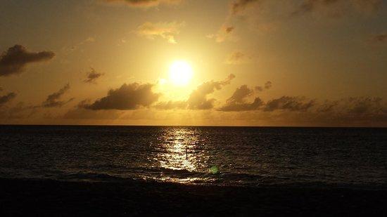 Eagle Beach sunset.