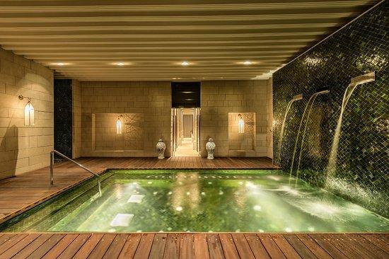 Hotel Sahrai : The Jacuzzi