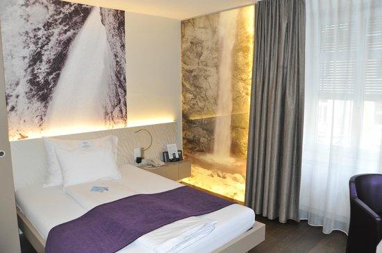 CASCADA Hotel: Camera