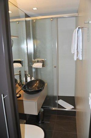 CASCADA Hotel: Bagno