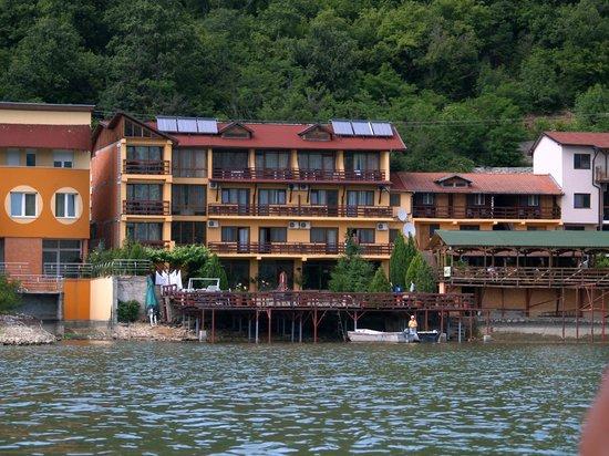 Pension La Ponton: View from the Danube
