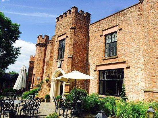 Crabwall Manor Hotel Spa: Bar entrance