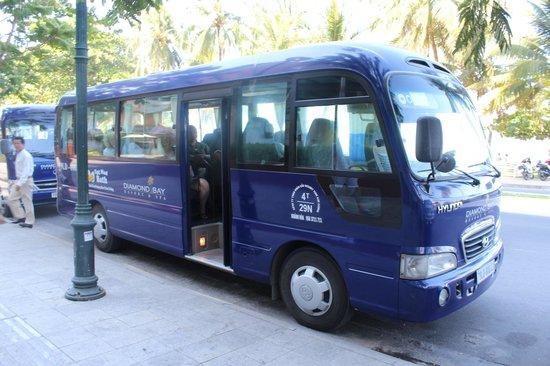 Diamond Bay Resort & Spa: shuttle bus