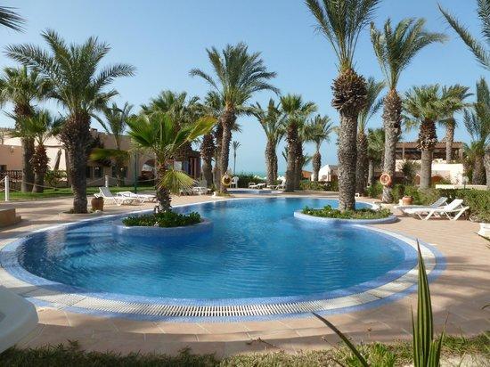 Club Oasis Marine : Petite piscine sous les palmiers