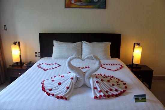 Diamond Bay Resort & Spa: room