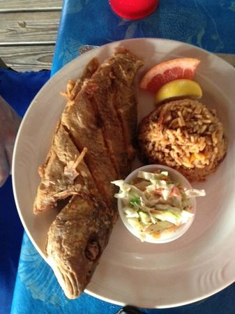 Treasure Cay Beach, Marina & Golf Resort : fried fish dinner!