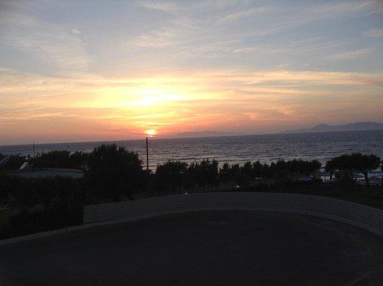 Electra Palace Rhodes : Sonnenuntergang vom Balkon aus
