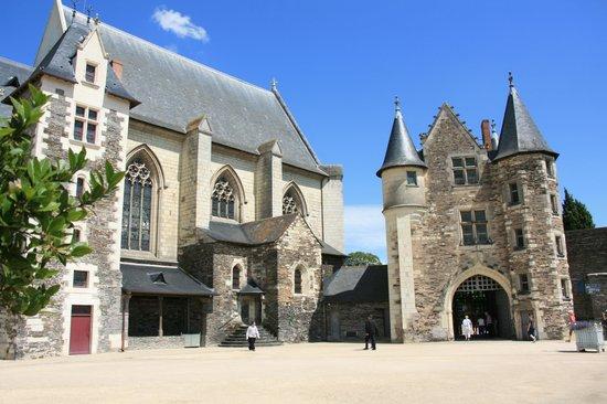 Château d'Angers : la cour intérieure