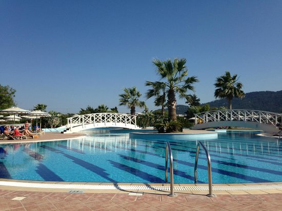 Electra Palace Rhodes : stimmige Pool-Landschaft