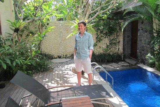 The Dipan Resort Petitenget: Me Next To the Ensuite Pool